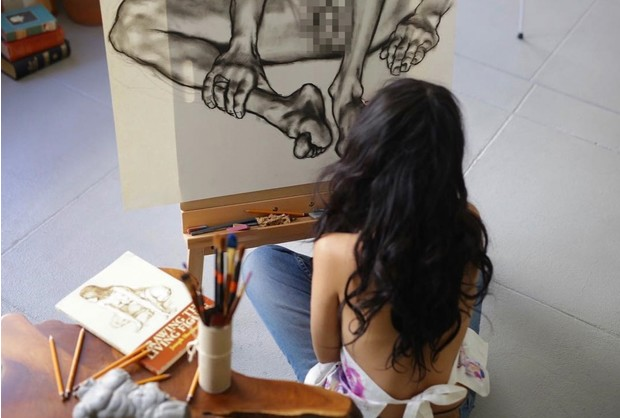 Фото №2 - Молодая жена Александра Цекало рисует обнаженных мужчин
