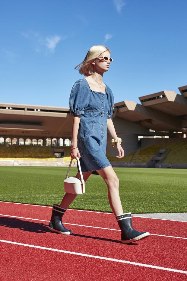 Фото №1 - Эти три джинсовых платья будут в моде летом 2021