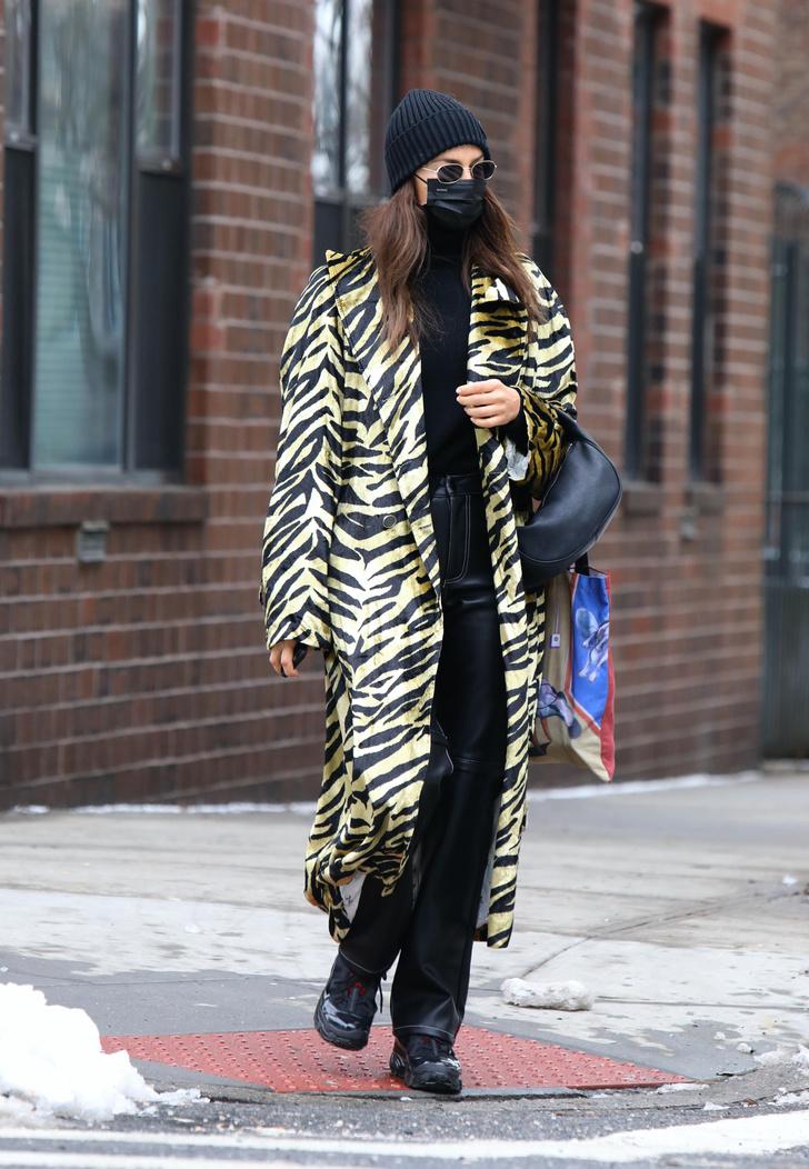 Фото №1 - Желтая зебра— еще один вариант анималистичного принта: пример Ирины Шейк