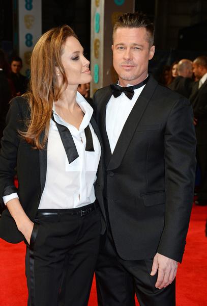 Фото №4 - Джоли снова обвинила Питта в домашнем насилии и готовит детей дать показания против отца