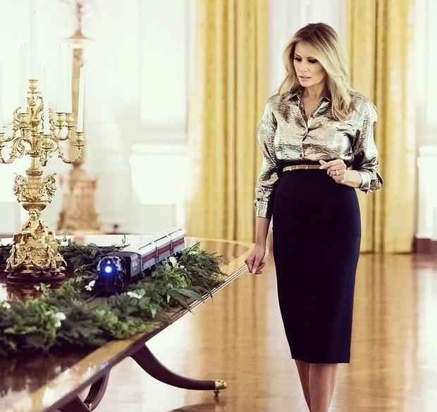 Фото №1 - Невероятно ослепительна: последнее Рождество Мелании Трамп