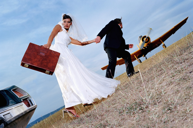 Фото №1 - Ах эта свадьба! Жених убежал с банкета, не заплатив