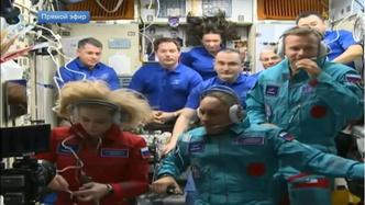 Фото №1 - Космическая красота: почему у Пересильд в космосе распущенные волосы