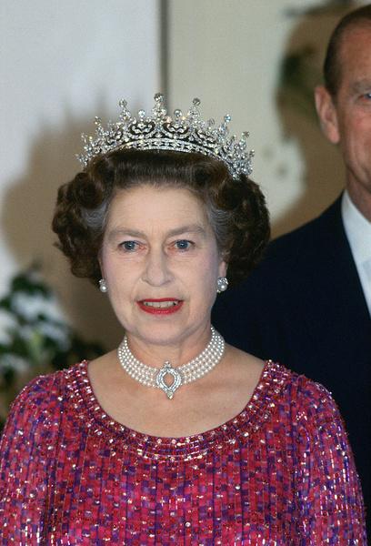 Фото №3 - Черные баннеры, запрет ретвитов и речь принца Чарльза: опубликованы детали похорон королевы Елизаветы, хотя она умирать не собирается