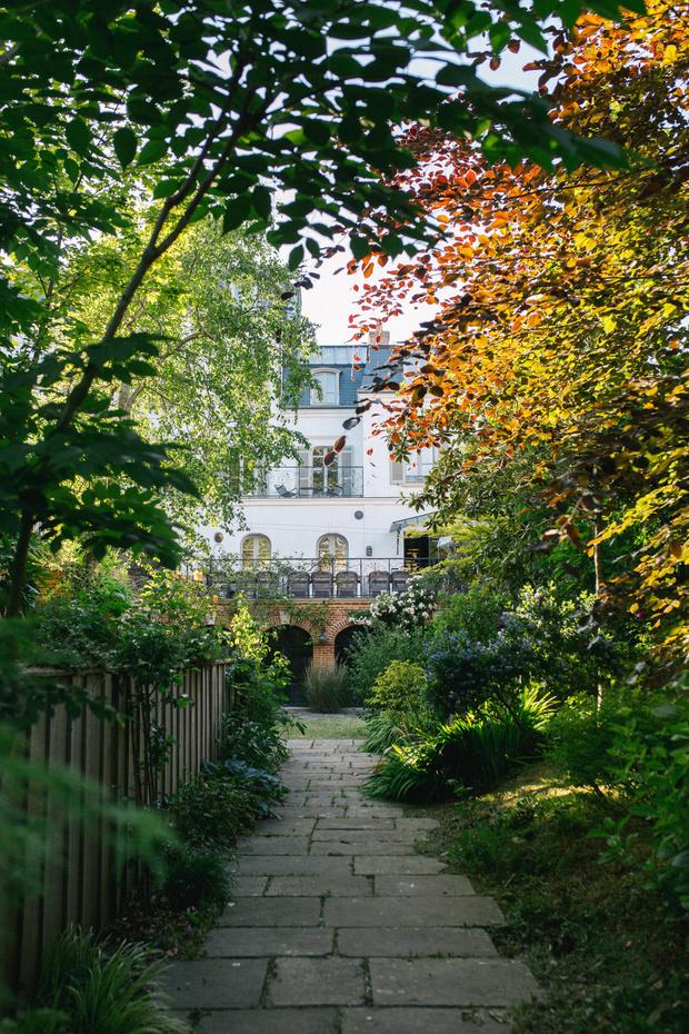 Фото №1 - Les Tilleuls: атмосферный гостевой дом в Нормандии