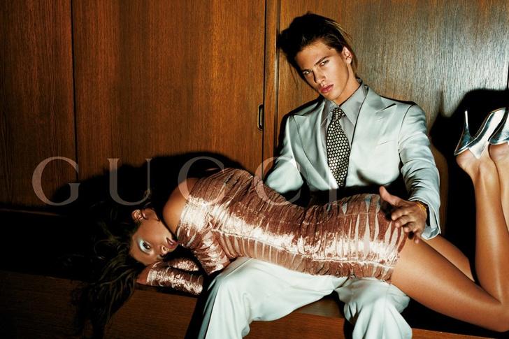 Фото №6 - «Король секса»: 5 скандальных изобретений Тома Форда в моде