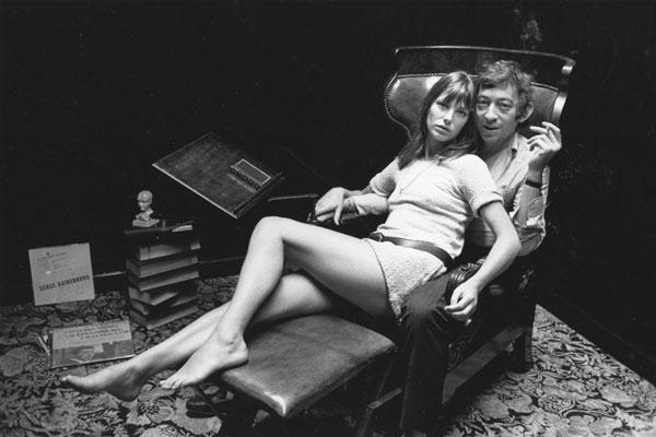 Неотразимый Серж Генсбур и несравненная Джейн Биркин. Париж, 1969 год.