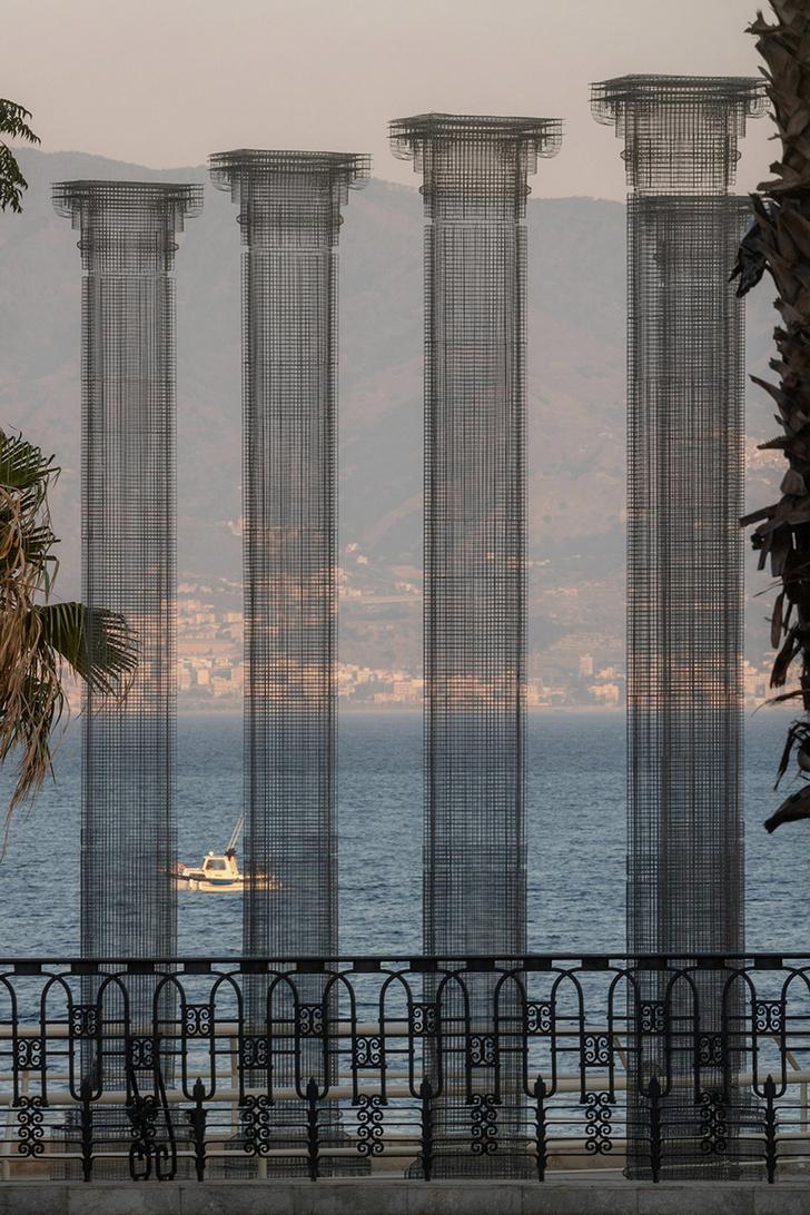 Фото №3 - Призрачные колонны в инсталляции Эдоардо Тресольди