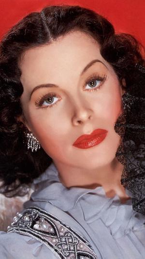 Фото №4 - От 1920-х до наших дней: как менялась мода на макияж губ за последние сто лет