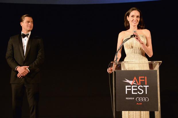 Фото №1 - 3 страха, разрушивших отношения Анджелины Джоли и Брэда Питта