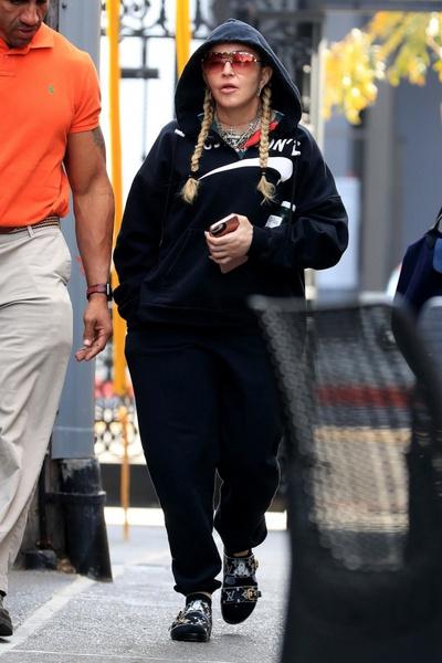 Фото №17 - Как тело Мадонны наказало ее за десятилетия суровых нагрузок и диет