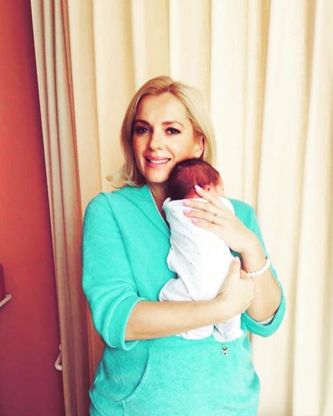 Фото №1 - Мария Порошина показала новорожденного ребенка