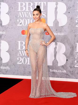 Фото №6 - 15 нелепых нарядов с красной дорожки BRIT Awards