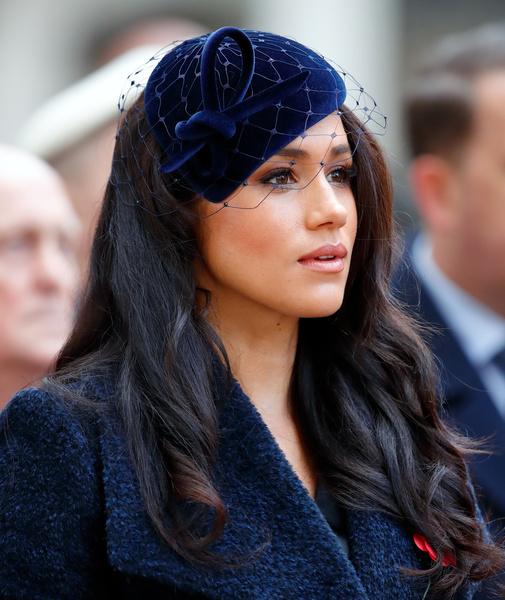Фото №2 - Прикинулась ветошью: почему на самом деле Меган Маркл не приехала на похороны Филиппа