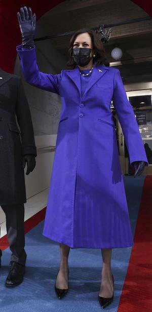Фото №7 - Ролевая модель: как одевается вице-президент США Камала Харрис