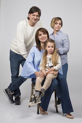 Фото №1 - Ирина Муромцева: «На первом месте семья. И работа»