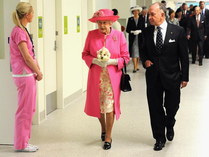 Фото №9 - Одним цветом: как королевские особы носят монохромные образы— 30 вдохновляющих примеров