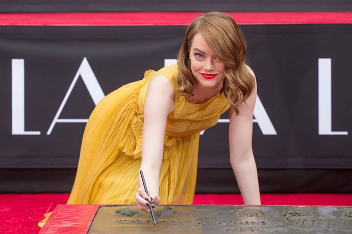 Эмма Стоун: «Занятия комедией помогли мне преодолеть приступы тревоги»