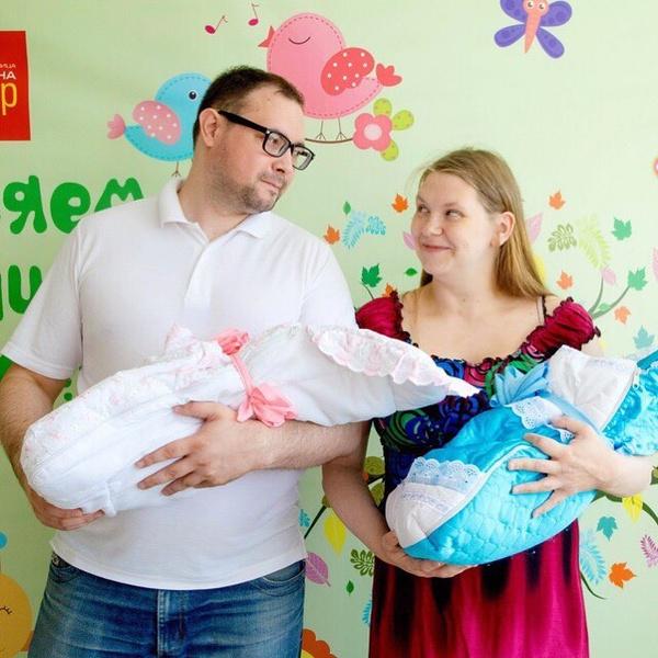 Жительница Санкт-Петербурга Виталина Рысбаева после двойни родила еще тройню: биография, инстаграм