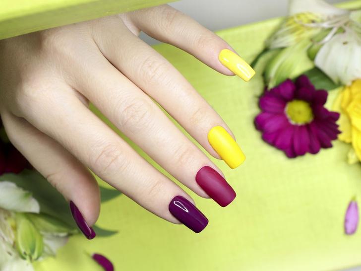 Фото №8 - Маникюр для длинных ногтей: 15 идей на любой случай