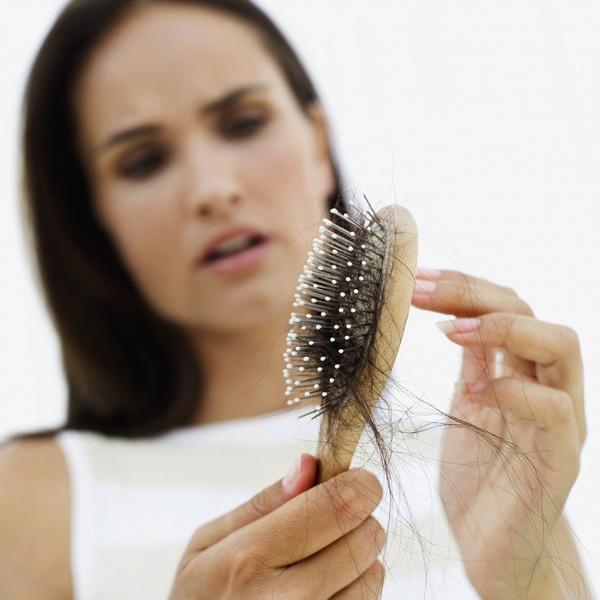 Фото №1 - Как избавиться от выпадения волос: отвечают пользовательницы Woman.ru