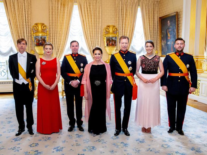 Фото №3 - Цена Короны: какая королевская семья обходится подданым дороже всего