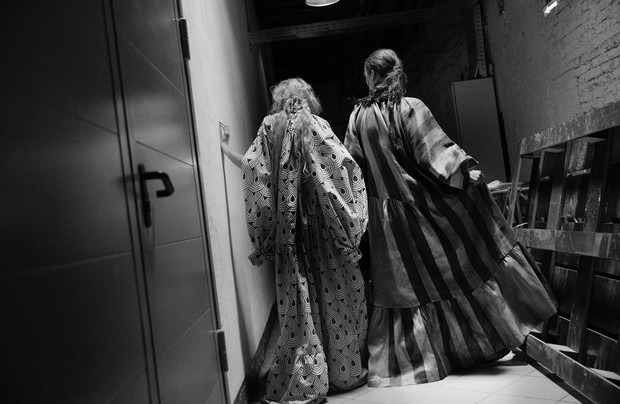 Фото №13 - Магический бэкстейдж Mercedes-Benz Fashion Week Russia. День 4