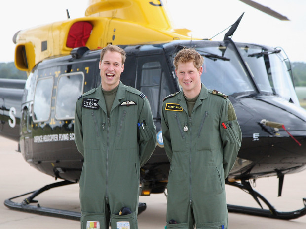 Фото №17 - 15 трогательных фото, доказывающих, что Уильям и Гарри были действительно близки
