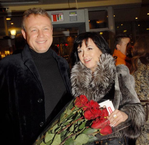 Фото №2 - Жигунов официально развелся с женой ради девушки-копии Заворотнюк