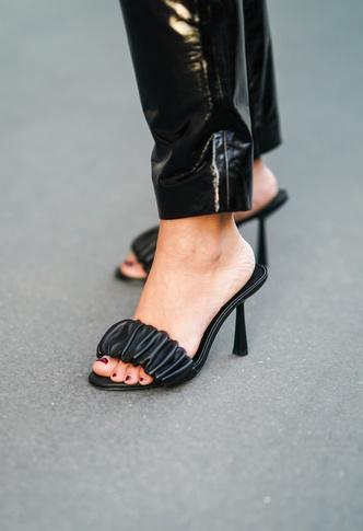 Фото №11 - Модный гороскоп: выбираем идеальную обувь по знаку Зодиака