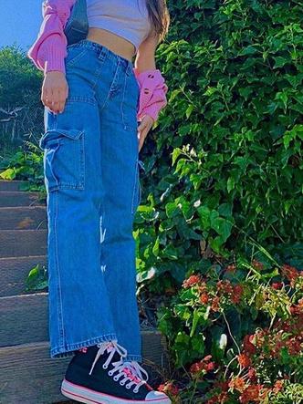 Фото №17 - Полный гламур: как одеться в стиле 2000-х в 2021 году