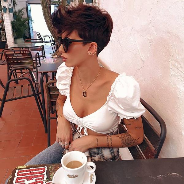 Фото №1 - Короткие женские стрижки: тренды 2021