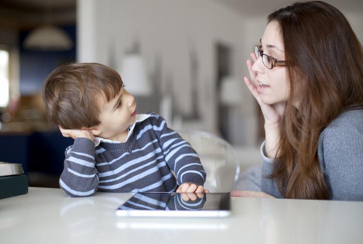 ребенок начал заикаться, ребенок заикается, причины заикания, как лечить заикание, кто лечит заикание