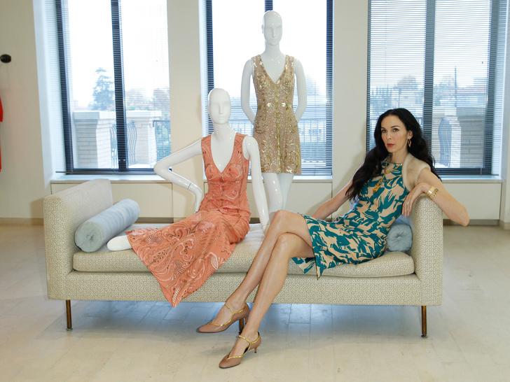 Фото №2 - Звездный дизайнер и подруга Мика Джаггера: самые роскошные наряды Л'Рен Скотт