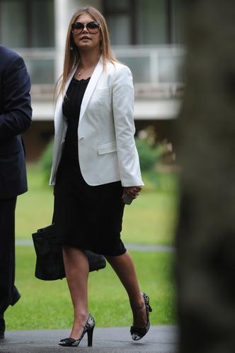 Фото №12 - Белые ботфорты, джинсы в стразах: как изменилась Алина Кабаева за последние 15 лет
