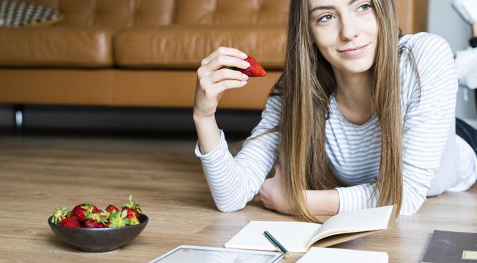 Бодипозитив не заставляет нас переедать: мнение психолога