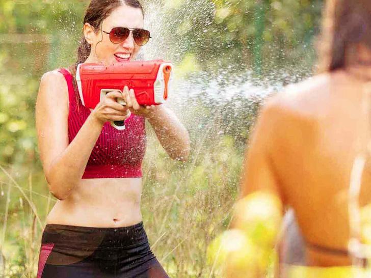 Фото №2 - Водяной пистолет SpyraTwo и другие полезные гаджеты cентября
