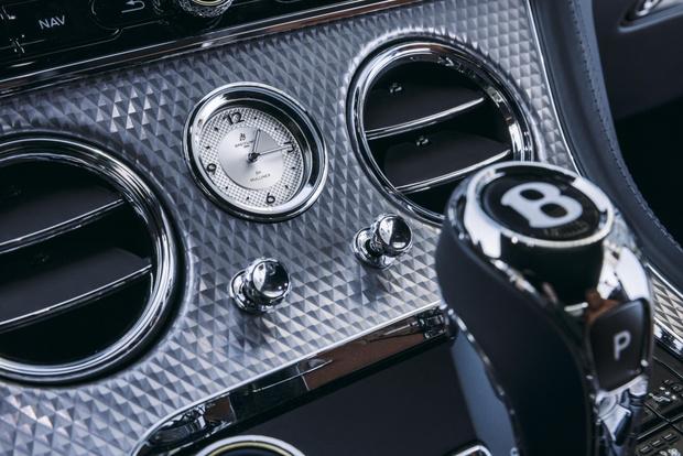 Фото №6 - Bentley представили в России новый Continental GT Mulliner