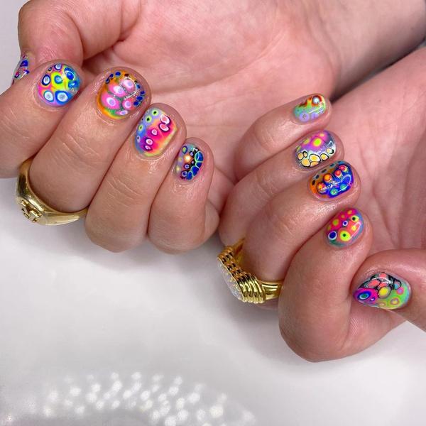 Фото №7 - Креативный маникюр на короткие ногти: 9 стильных нейл-дизайнов