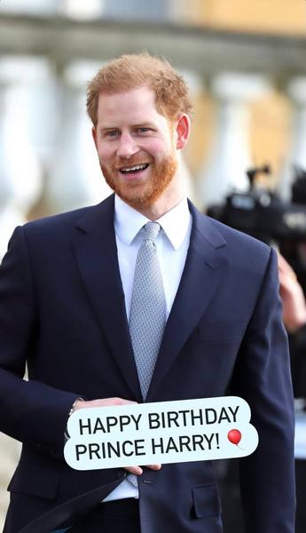 Фото №4 - Как Виндзоры поздравили принца Гарри с днем рождения: особое послание Чарльза и официальное от Кембриджских