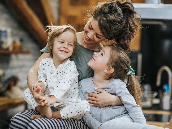 Фото №1 - 7 советов, как справиться с ревностью между детьми