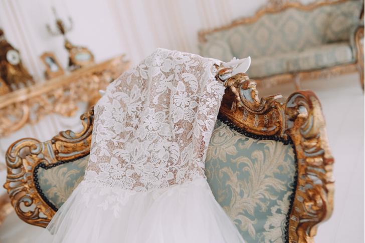 Фото №2 - Сила обольщения: что нужно знать о будуарном платье