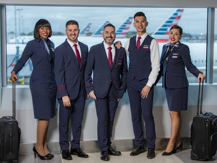 Фото №12 - Небо, самолет, девушка: самые красивые униформы стюардесс в мире