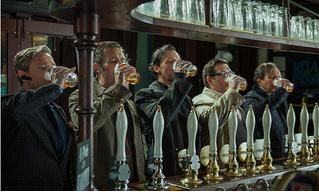 Как быстро получить выпивку в переполненном баре