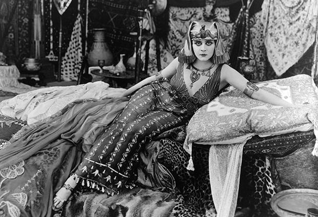 Фото №5 - Клеопатра: 9 самых неправдоподобных образов в кино