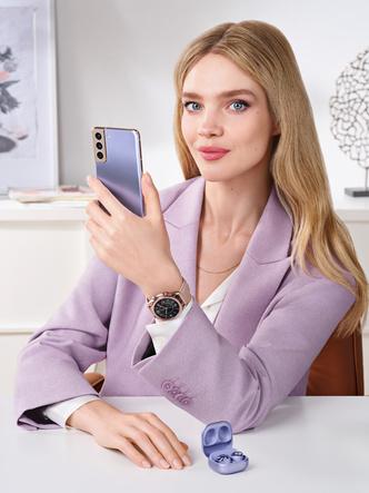 Фото №2 - «Выходи за рамки возможного»: Наталья Водянова стала новым амбассадором бренда Samsung Россия