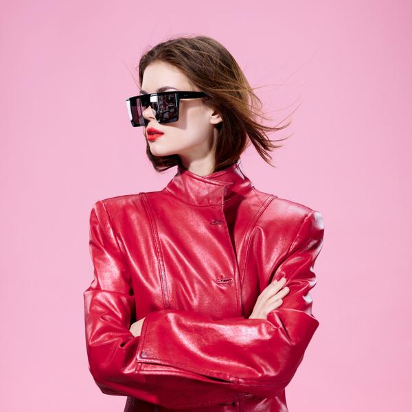 Фото №1 - Выбор профессии: кем ты можешь стать в индустрии моды?