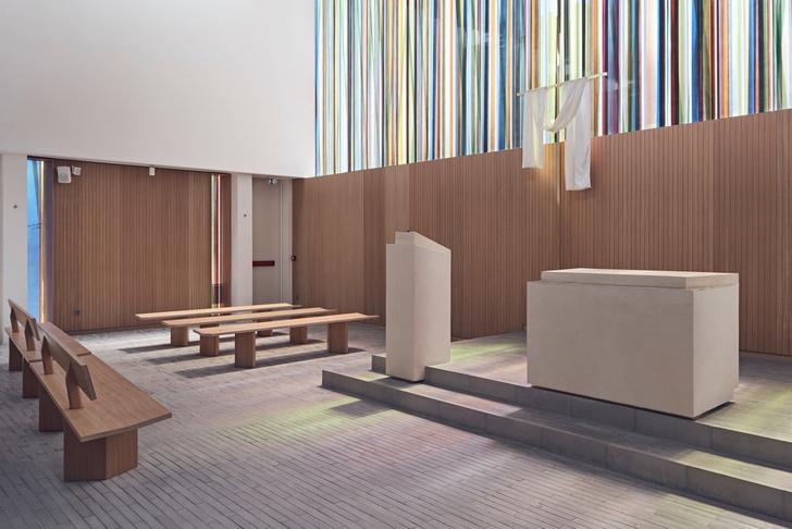 Фото №3 - Минималистская церковь во Франции: проект Enia Architectes