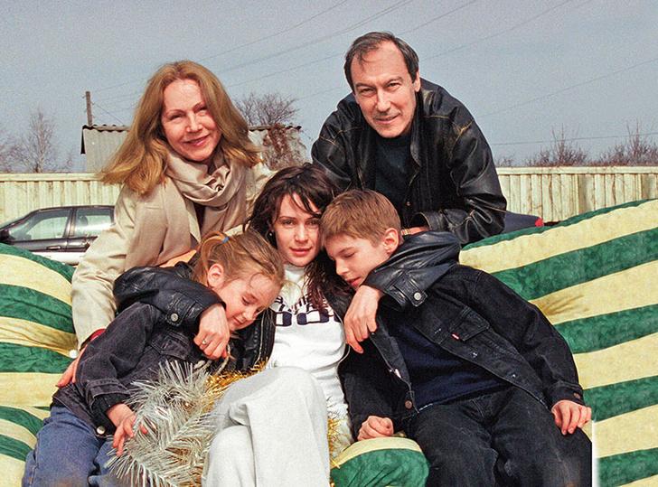 Фото №1 - Всех прощал и не обижался: каким был Олег Янковский