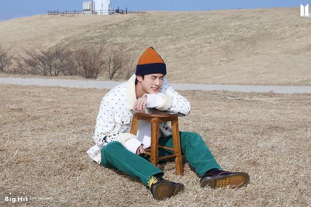 Фото №9 - Снежные ангелы: Big Hit Entertainment выложил 65 новых фото BTS 😍